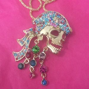 🏴☠️ necklace/broach NWT